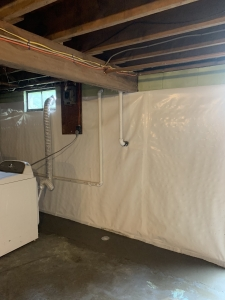 Sealed system with Vapor Barrier and drainage.