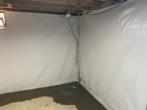 Sealed system with Vapor Barrier on walls, sealed floor drainage and sealed pump system